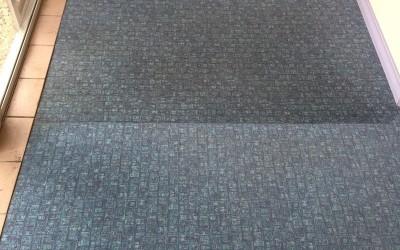 Tepovanie kobercov Pezinok - koberec porovnanie očisteného a špinavého.