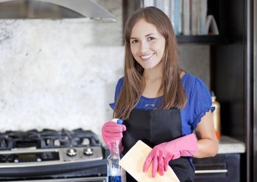 Čistá pracovná doska v kuchyni je základ