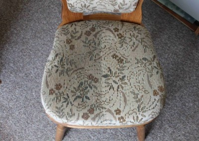 Tepovanie sedačiek Pezinok - stolička, pred a po tepovaní.